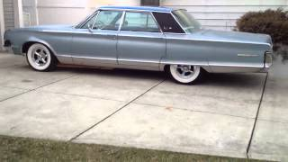 1965 Chrysler New Yorker Idling