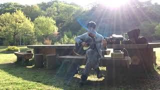 ご覧いただき、ありがとうございます。 朝の公園で歌ってきた日の動画で...