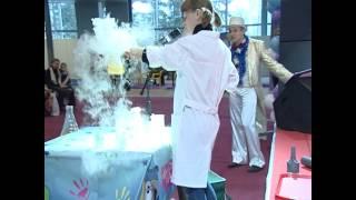 Смотреть видео Сумасшедшая наука онлайн