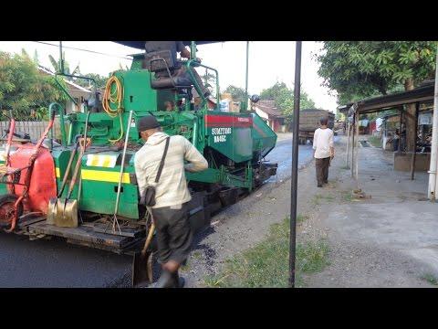 aspal curah hotmix ~ proses pengerjaan perbaikan jalan