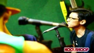 HOOLAHOOP - HARI UNTUK BERLARI LIVE @ROIRADIO