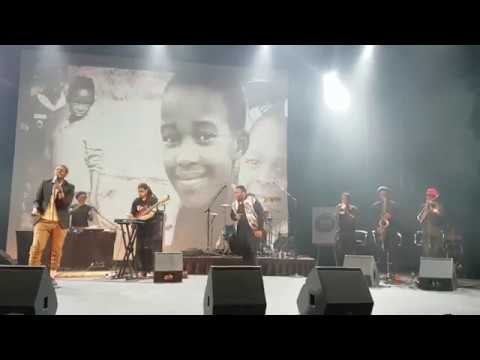 Stogie T On Stage With Samthing Soweto
