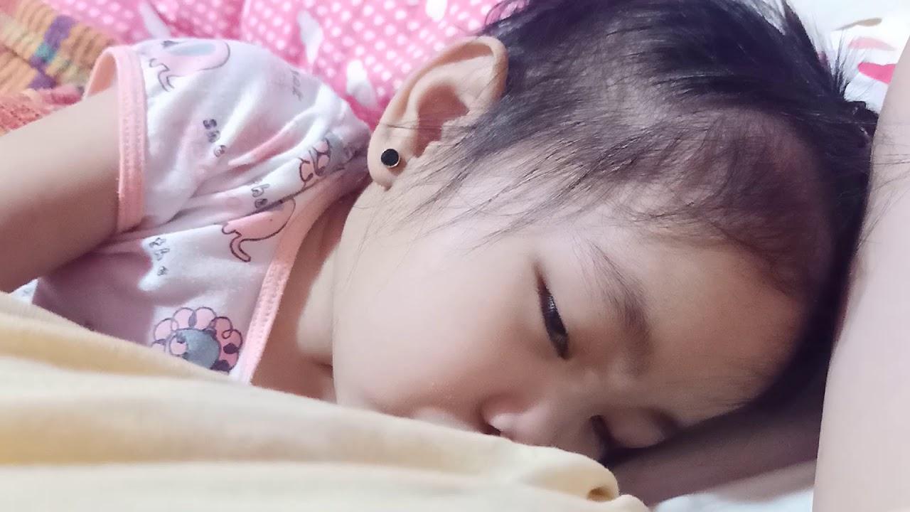 Breastfed baby Z put into sleep