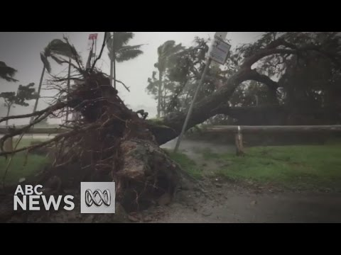 Cyclone Debbie smashes into Queensland coast