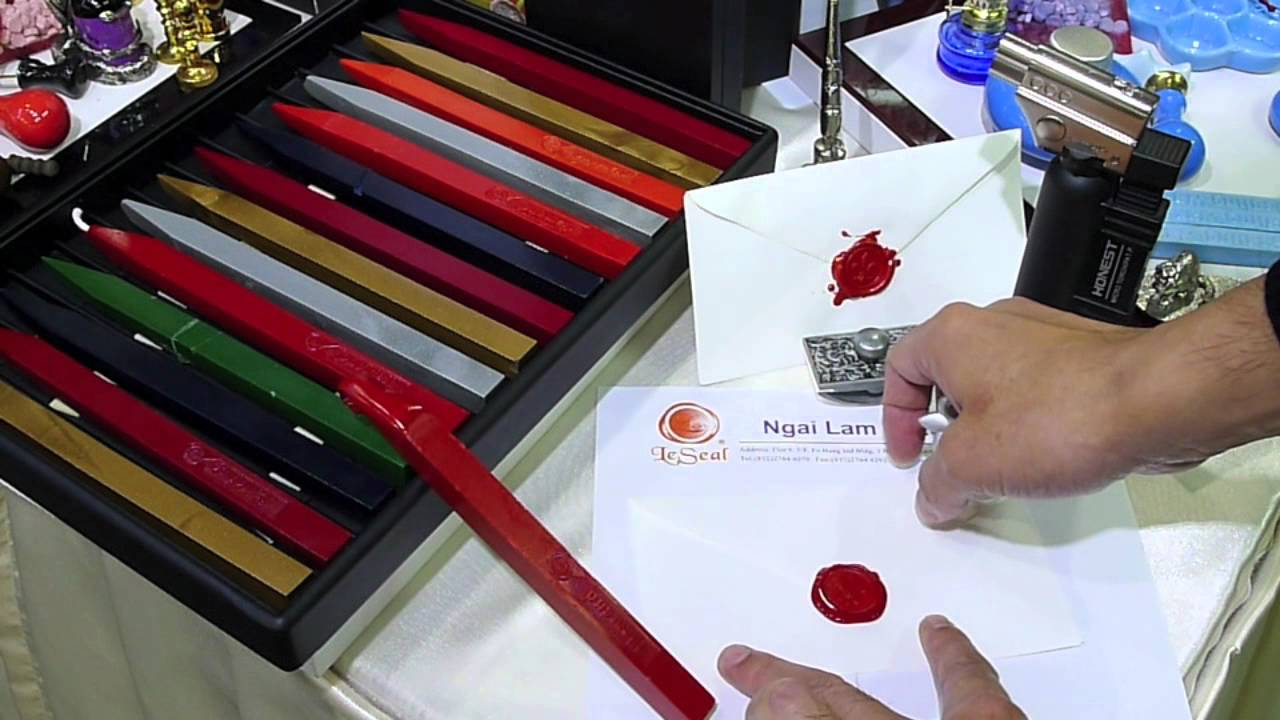 How to use a Traditional Sealing Wax - YouTube