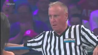 what did i just see madison rayne kisses referee earl hebner