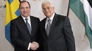 محمود عباس يُجري مباحثات مع رئيس وزراء السويد في استوكهولم