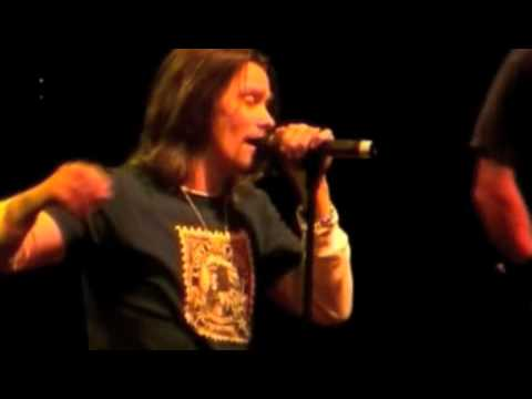 """Alter Bridge: """"Shed My Skin"""" Live at the Astoria"""