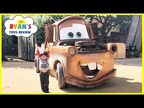 Thumbnail: GIANT TOW MATER Life Size DISNEY CARS Family Fun Art's of Animation Hotel Tour Playground for Kids