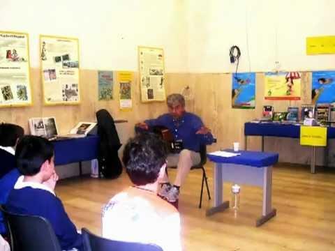 Alfredo Romano canta le filastrocche di Gianni Rodari. 25 03 2011