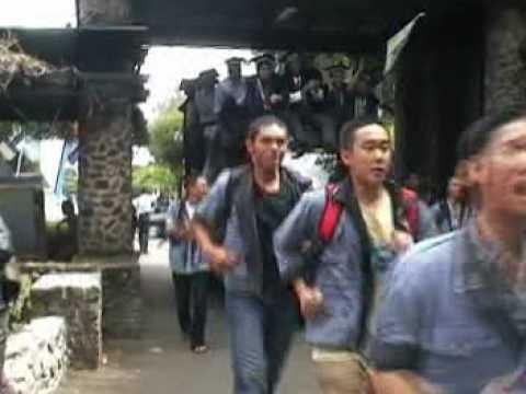 Arak-arakan Wisuda ITB 2004 from LFM ITB