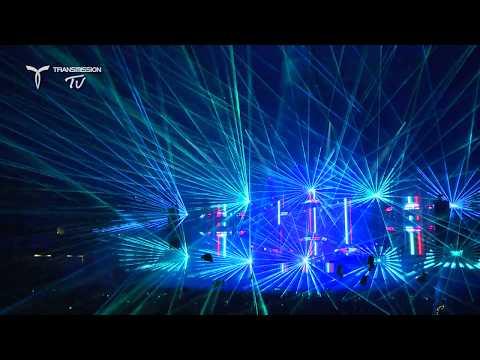 Frontliner plays Armin van Buuren - Not Giving Up On Love (Live at Transmission Australia 2017)
