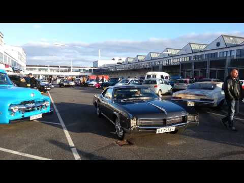 Classic Cars leaving War Pigs parking in Copenhagen 1/9