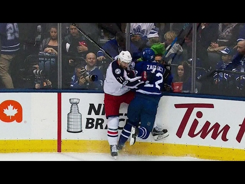 Zaitsev heads to locker room after hit from Foligno