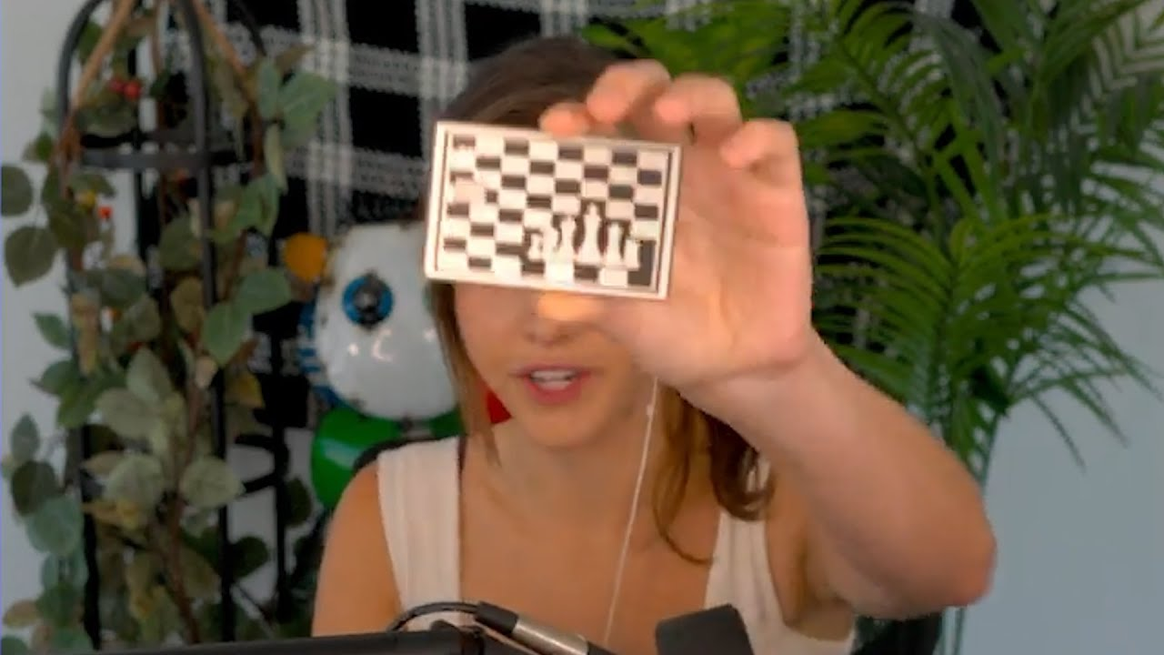 Alexandra Botez shows off her new chess credit card