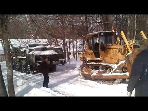 видео: Буксировка бульдозером ЧТЗ РСЗО Смерч