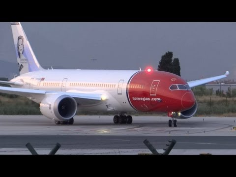 [FULL HD] Norwegian 787-8 Dreamliner EI-LNA Close Up take-off Barcelona-El Prat