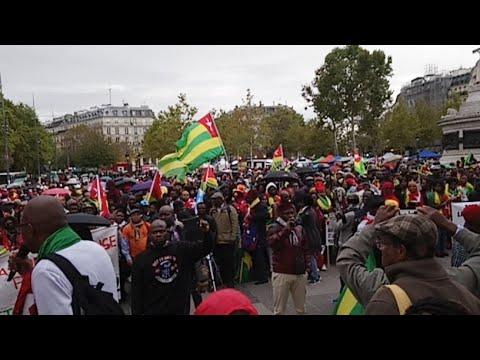 #TogoDebout À la place de la République - Grosse mobilisation des Togolais rassemblés à Paris