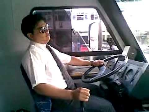 Curso Profissional para Dirigir Ônibus.. Dirigindo.... from YouTube · Duration:  3 minutes 10 seconds