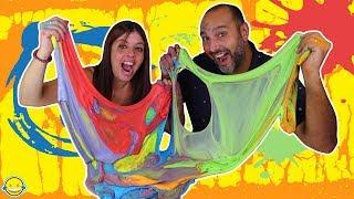 MEZCLAMOS 100 BOLSAS de PIGMENTO en nuestro SLIME Mixing 100 Colors in our Slime Momentos Divertidos