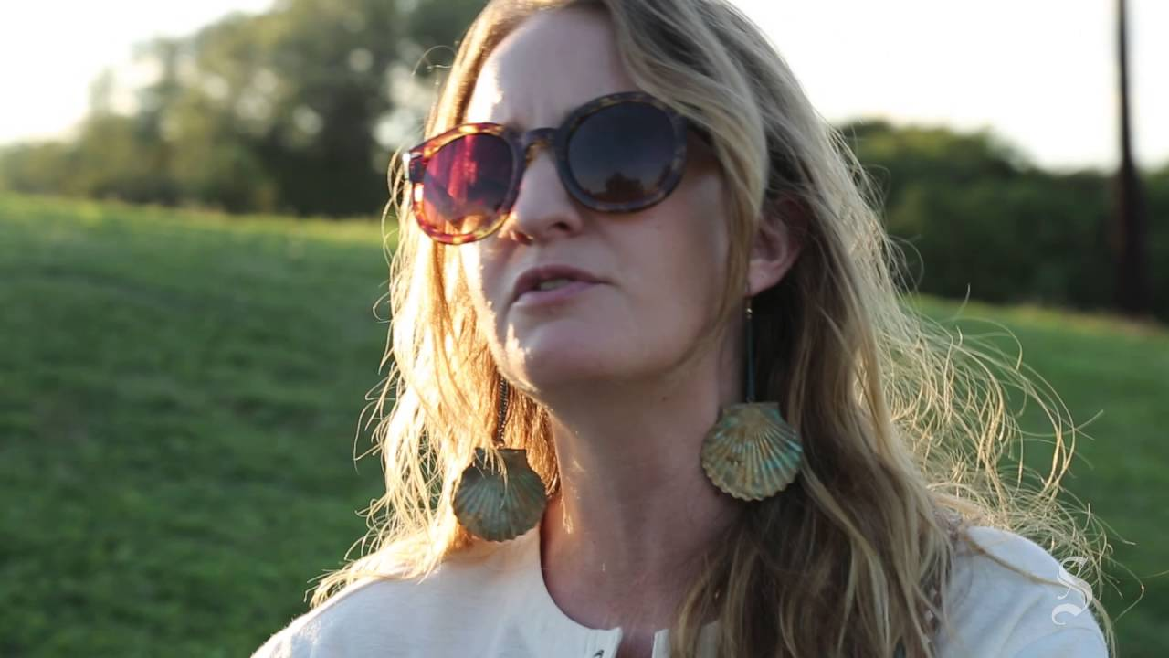 Margo Price Shawn Sahm Play Tribute To Texas Legend Doug Sahm Youtube