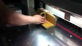 Как делают этикетки для одежды(Печать, производство этикеток в типографии ВЭЛСИ. +7 495 347-02-02, 347-04-05 http://www.velsy.ru/prod/label.php., 2011-05-14T10:44:34.000Z)