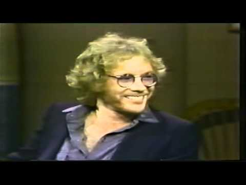 Warren Zevon - His First David Letterman Show, 1982.