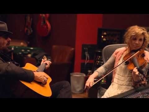 """DAVE STEWART & ALISON KRAUSS DUET """"DROWNING IN THE BLUES"""""""