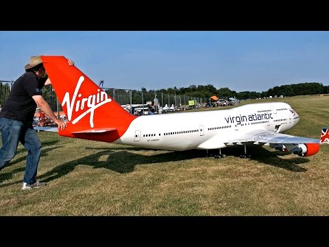 wow-!!!-stunning-!!!-biggest-rc-airplane-in-the-world-boeing-747-400-virgin-atlantic-airliner-flight