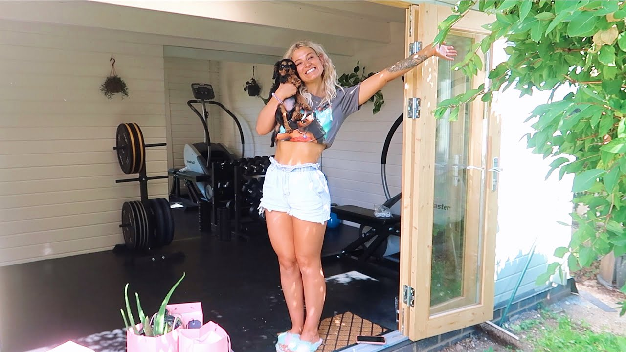 weekly vlog: finishing the home gym & puppy updates!