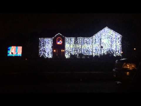"Southington house lights up to Disney's ""Frozen"" melody"