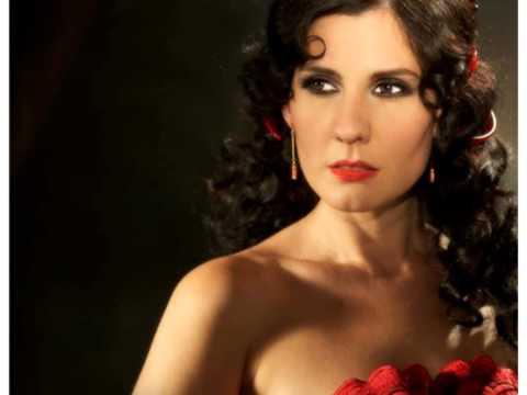 Sola-- Diana Navarro