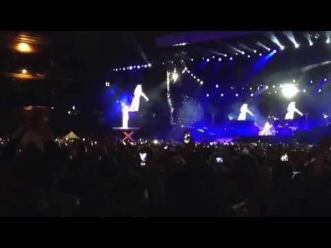 Rihanna - Performing Diamonds @ Twickenham Stadium, Sunday 16th June 2013 Encore/ Firework Display