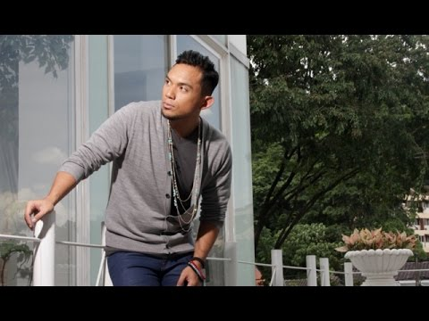 Muzik Video SENYUMAN GELAPMU - FAKHRUL RAZI