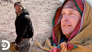 Bebe su orina en el Desierto de Atacama | Desafío x 2: Un nuevo inicio | Discovery Latinoamérica