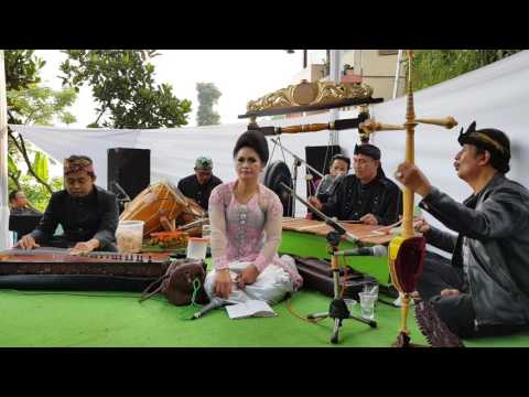 Kacapi Gambang ( Ceceng, Apih Asep & Engkay) : Buah Kawung & Panutup Mitra