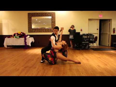 Nery Garcia & Giana Montoya performing and dancing salsa for Richie Ray