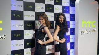 Презентация HTC One в России: все особенности телефона(Читать на сайте - http://mobiltelefon.ru/post_1362658161.html Цена дня на HTC One - http://bit.ly/1yRXH36 Презентация HTC One в России: особенност..., 2013-03-07T12:14:04.000Z)