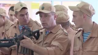 Знакомство российских десантников с образцами египетского стрелкового оружия