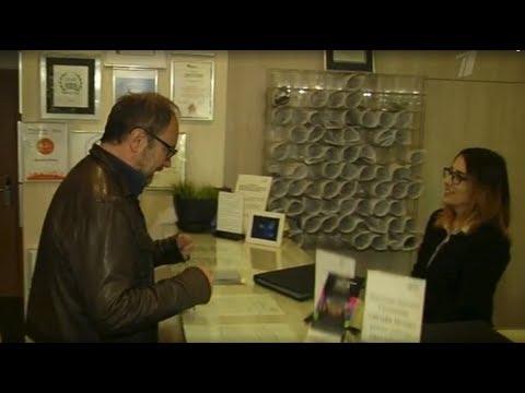 Проверяем сотрудников гостиницы Дизайн Отель на знание английского языка