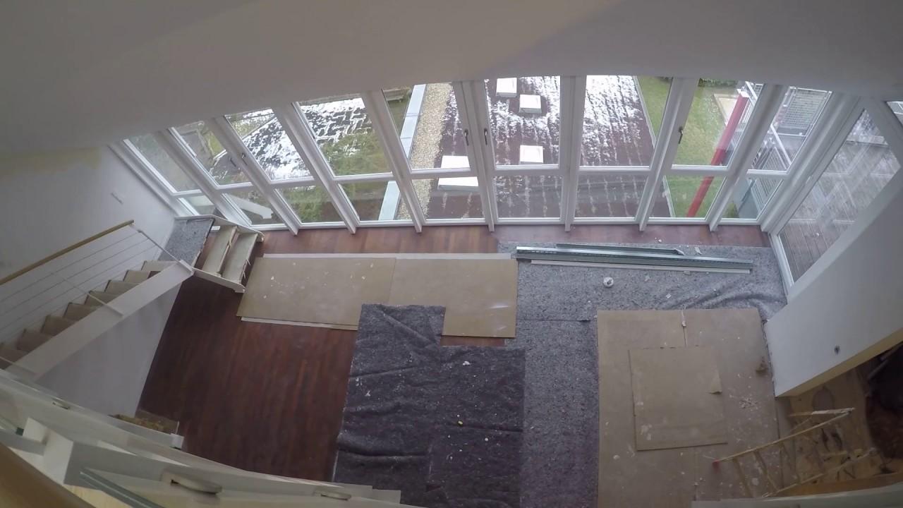 traum neubau mit galerie und blick ins wohnzimmer luxus penthouse youtube. Black Bedroom Furniture Sets. Home Design Ideas