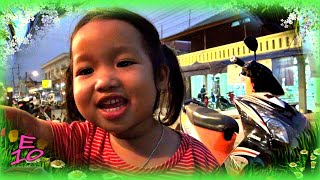 Little Laotian Girl Sees Herself From Camera LCD