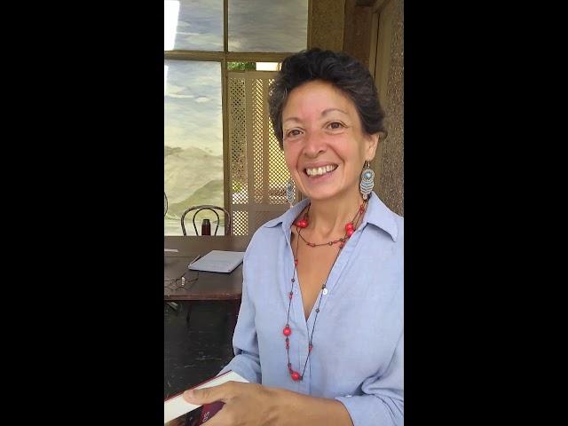 Marcela es Socióloga y creo una biblioteca al paso en Barracas