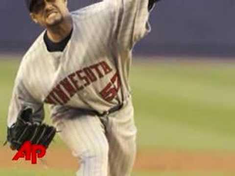 Twins Trade Santana To Mets