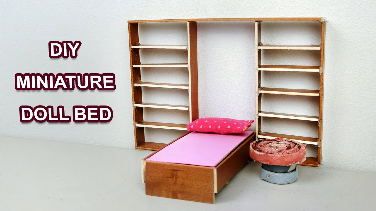Diy Miniature Foldable Doll Bed Creative Craft Ideas Youtube