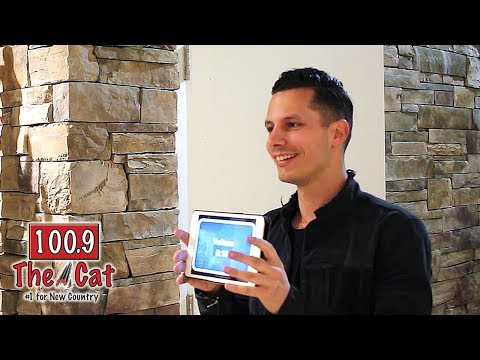 Devin Dawson with 100.9 The Cat's KC & Kelly
