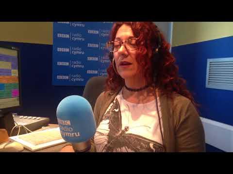 Myfyrio/Meditating with Shan Cothi on BBC Radio Cymru