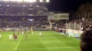 Gol de Larrivey de penalti en el último minuto.