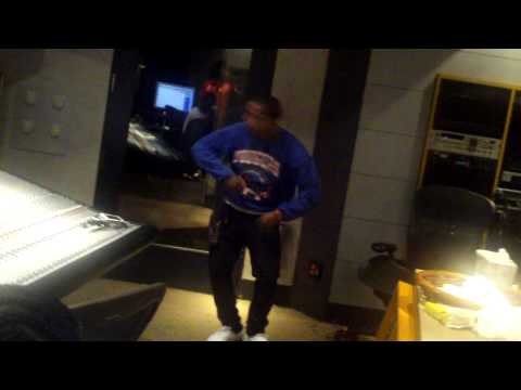 MILLZY TV! - OMARION IN THE STUDIO GOING STUPID!