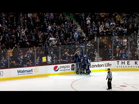 Henrik sets up Daniel Sedin for goal in Vancouver farewell game